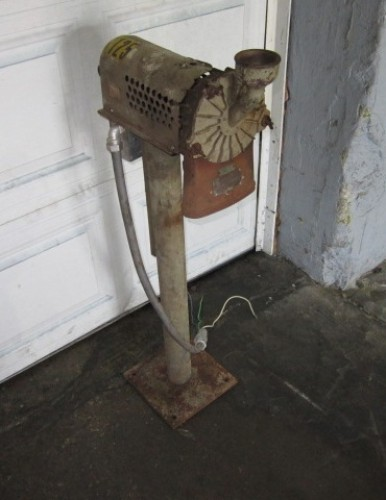 Weber Brothers Lab Pulverizer.