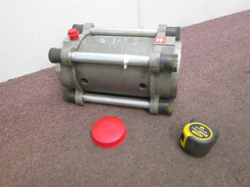 Max Machinery Helical Rotor Flowmeter