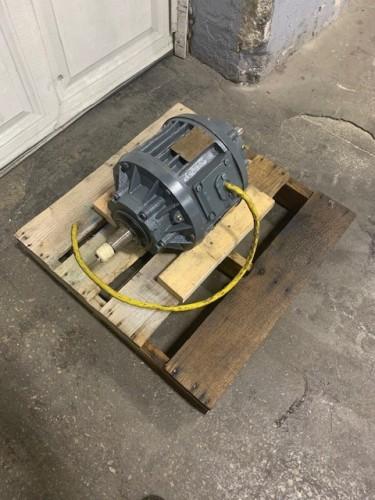 2.5 hp Sweco Motor.  460 voltage.  1160 rpm