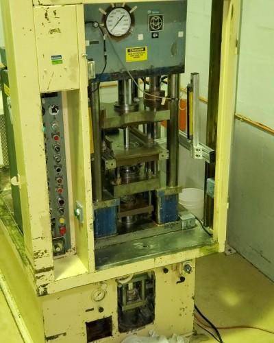 28 ton Mannesmann Meer Hydraulic Press