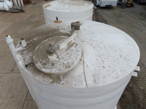 2050 gallon Fiberglass tank