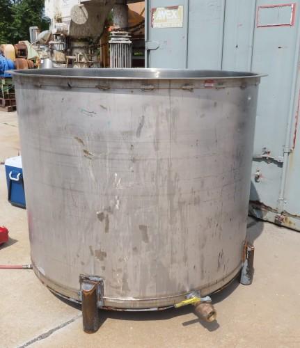 620 gallon stainless steel tank