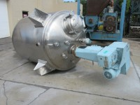 900 gallon Stainless Steel Reactor, jacketed, 10 hp variable speed agitator.